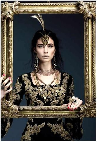 Another great #baroque frame, you'll feel like royalty in there.