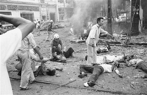 Heridos tras la explosión en la embajada de los EE.UU. en Saigon (1965). (Horst Faas/AP)