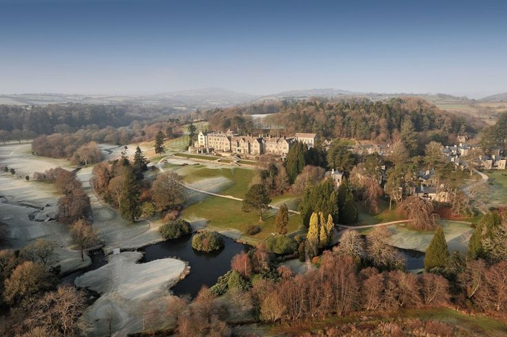 Let's face it, meeting royal etiquette is no easy task! But set across the British Isles are Pride of Britain's stately retreats and hotels fit for the Queen.  Lets take a look at these A-list retreats that hit the mark... Learn More