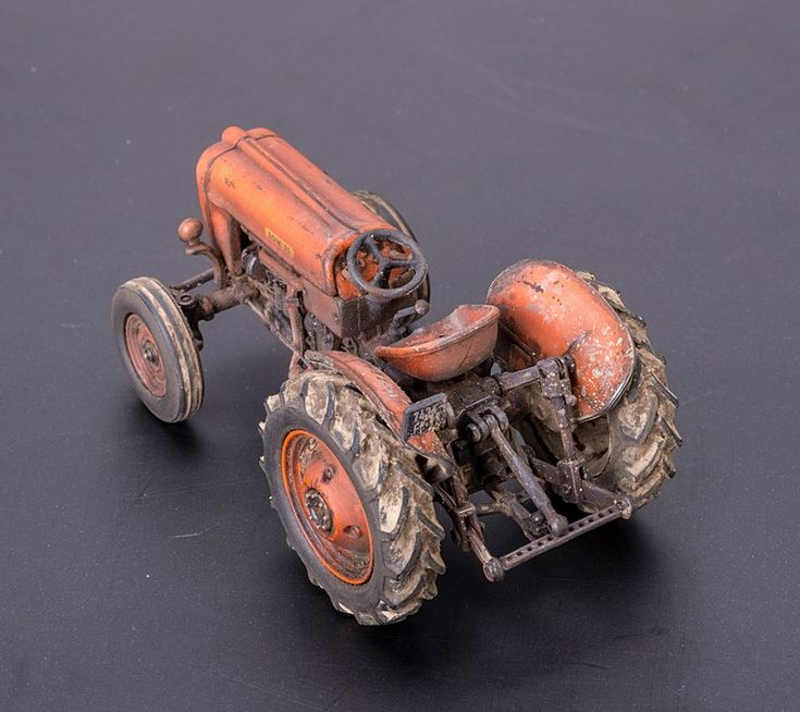 Metal Tractor Pin : Hobbies someca som  metal toy tractor by lao