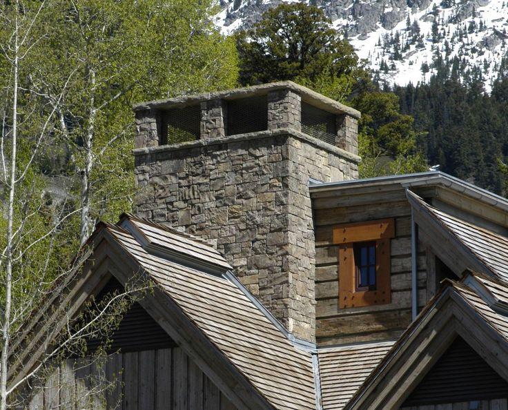 Schornstein verkleiden: Verschiefern des Schornsteins verschönert die Fassade