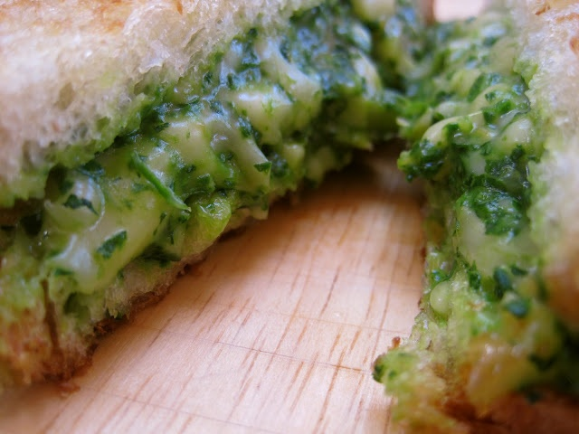 Green Grilled Cheese Sandwich - Spinach, Avocado, and Gouda Goodness