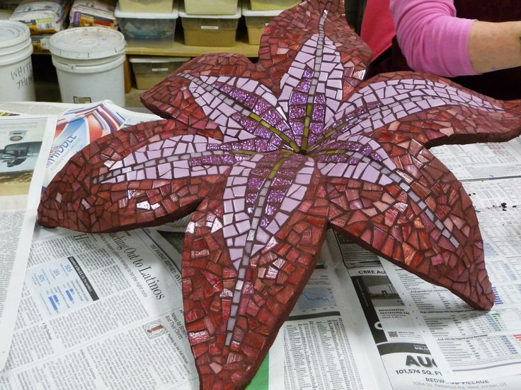 Outstanding blog with tutorials for 3D mosaic bases, both indoor and outdoor, any shape you want. Wow!