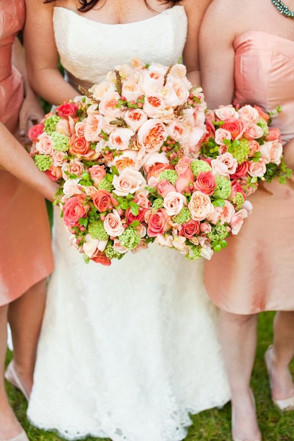 blogs white blue bouquet vine americana wedding