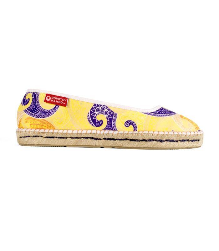 Alpargatas manoletinas de esparto natural hechas a mano para mujer. Alpargatas ideales para ser conjuntadas con cualquier tipo de tendencia o look, ya sea romántico, hippie, étnico, Pin Up e incluso con algún vestido de corte informal. #retro #retrovintage #urban #chic #boho #bohochic #estilo #urbanchic #urban #alpargatas #espadrilles #moda #fashion #handmade #handsewn #shoes #zapatos #calzado #ecofashion #footwear #ideaspararegalar #pararegalar