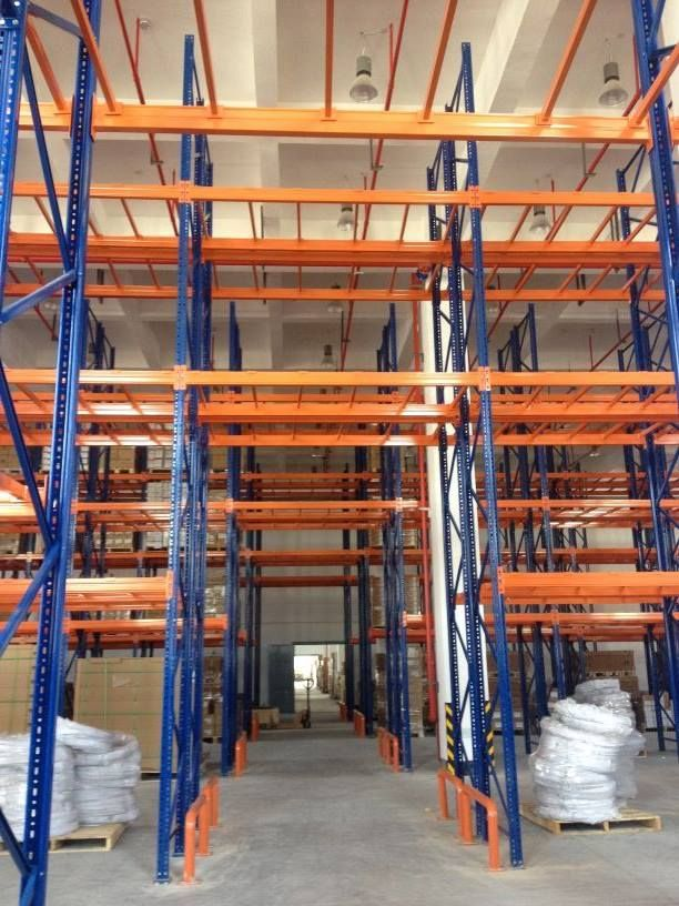 The pallet racking system we made for our Thailand customer, the underpass for forklift. will@racking-china.com