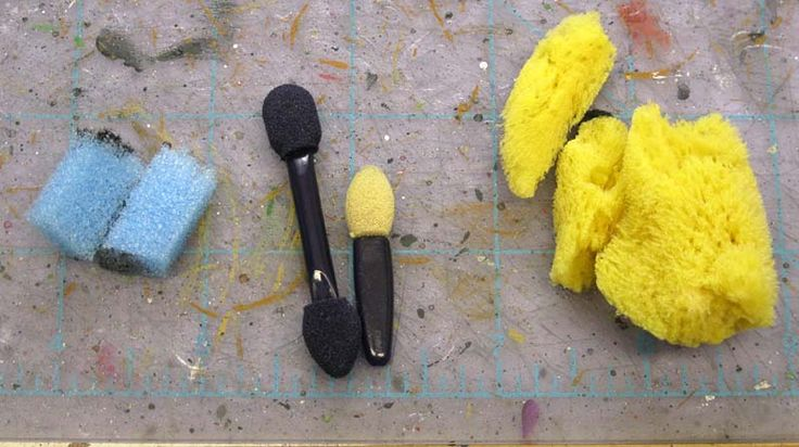 Types of sponges for weathering and battle damage