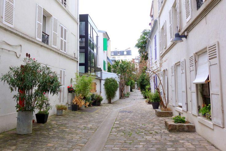 Villa de l'Adour. Entrée au 13, rue de La Villette. Paris 75019.