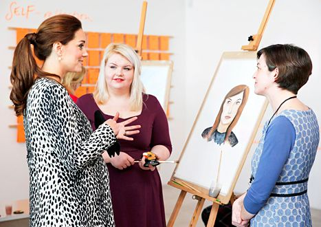 Pregnant Kate Middleton talks with art students at the Turner Museum on March 11.