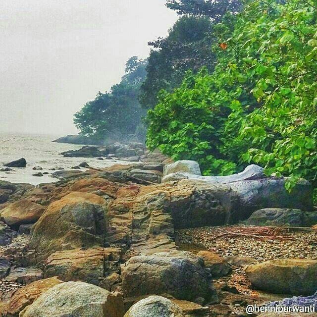 Lemukutan beach