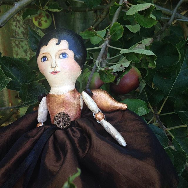 An angel in an apple tree #clothdoll #vintagestyledolls #angeldoll #madebyhand