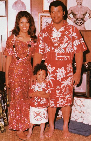 Rocky And Ata Johnson | ... Dwayne, swagging from birth, flanked by parents Ata and Rocky Johnson
