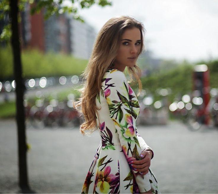 Foster The People – Coming of Age fot Michał Wilczewski / Liestyle* shoes Kazar / bag Orsay / dress Bizuu –VIDEO–