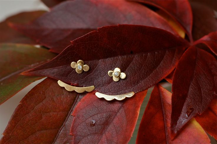 Simple wedding earrings #wedding