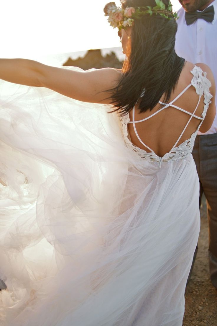 Dreamy Waters and Hayley Paige wedding gown - Anna Kim Photography - Bliss Wedding Design