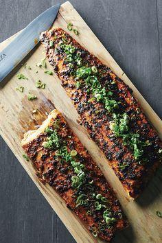 Chef Oropeza-salmon con chile ancho