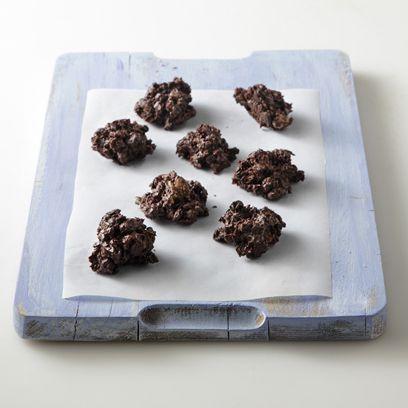 Σοκολατάκια με δημητριακά και ξηρούς καρπούς από την Αργυρώ Μπαρμπαρίγου