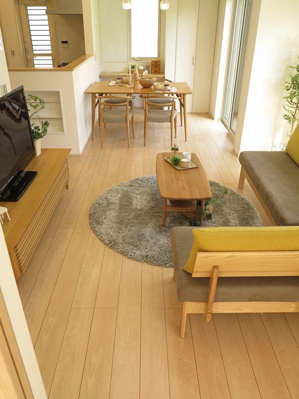 ペール色の床に薄目なカーキ色とグレー色をテーマカラーとしたナチュラルコーディネート提案   家具なび~きっと家具から始まる家づくり~ 名古屋・インテリアショップBIGJOYが家具の視点から家づくりを提案