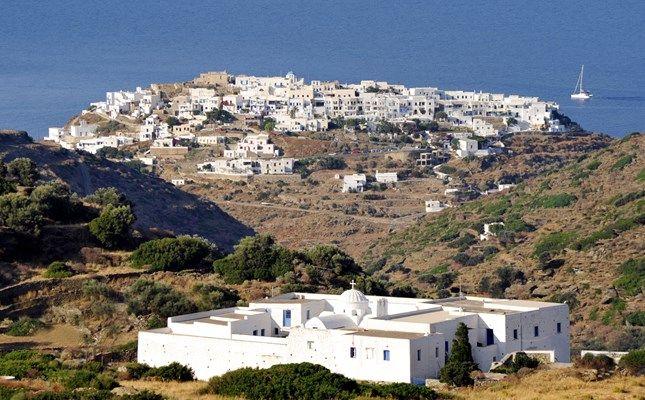 Το Κάστρο της Σίφνου, η παλαιά πρωτεύουσα του νησιού! http://diakopes.in.gr/the-experts-way-blog/article/?aid=209986 #travel #greece #island #sifnos #cyclades