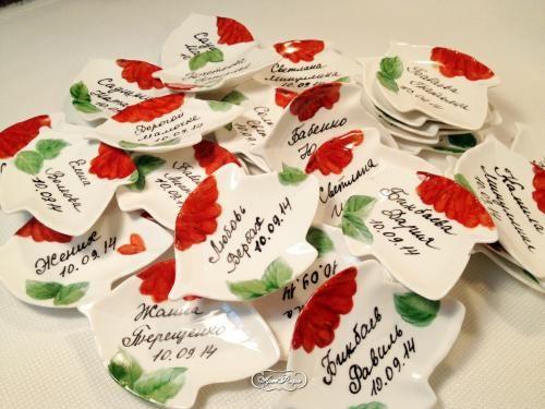 Фарфоровые рассадочные карточки с именами гостей. Автор Даминова Флёра