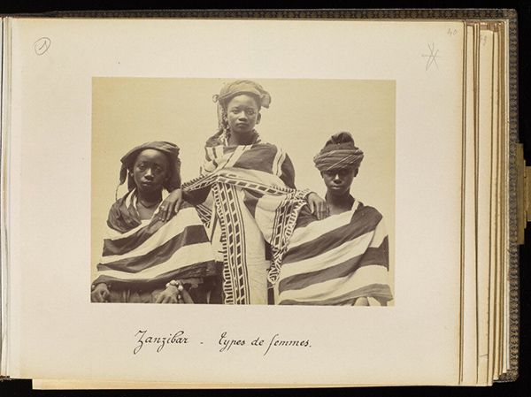 Women from Zanzibar, plate 40 / Edouard Foa Women from Zanzibar, 1893, Edouard Foà. Albumen print in Views of Africa: Zanzibar et Côte-Quiloa-Dar es Salam-Tanga-Somalis, plate 40. Mount: 9 x 11 1/4 in. The Getty Research Institute, 93.R.114.1.2