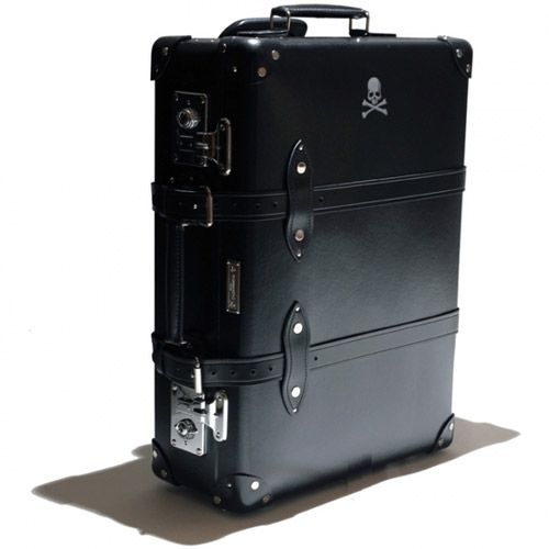 Mastermind & Globe-Trotter Suitcase You don't see many traditional suitcases getting made these days by 'modern' brands, but this little beauty from Mastermind in Japan is bucking the trend. Teaming up with British luggage brand Globe-Trotter, they have sliced together a rad-looking suitcase that will turn heads next time you roll through the airport. And …