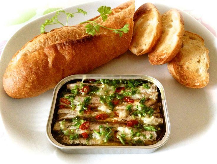 オイルサーディンで缶ごとアヒージョ♪ by indiansun [クックパッド] 簡単おいしいみんなのレシピが223万品