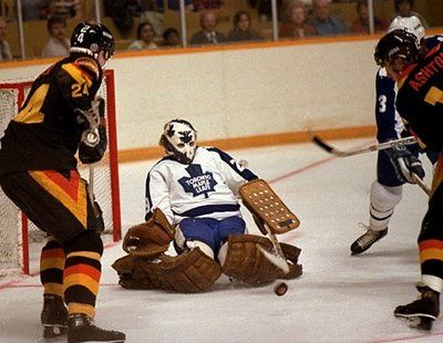 Look at that early butterfly. So beautiful :') - Palmateer - Hockey Goalie