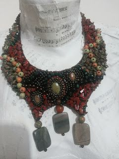 Mirela Mohjazi Handmade: Set. Colier statement si bratara cu pietre semipre...