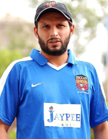 Shahid Afridi the Man of Popularity is Rocking in BPL