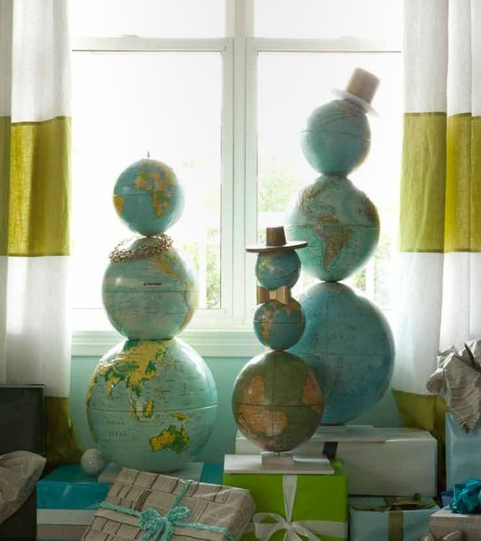 This would be fantastic for a teacher's classroom! Creative Christmas decorating | First Sense