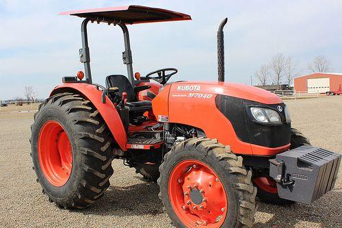 Used Kubota M7040 Tractor