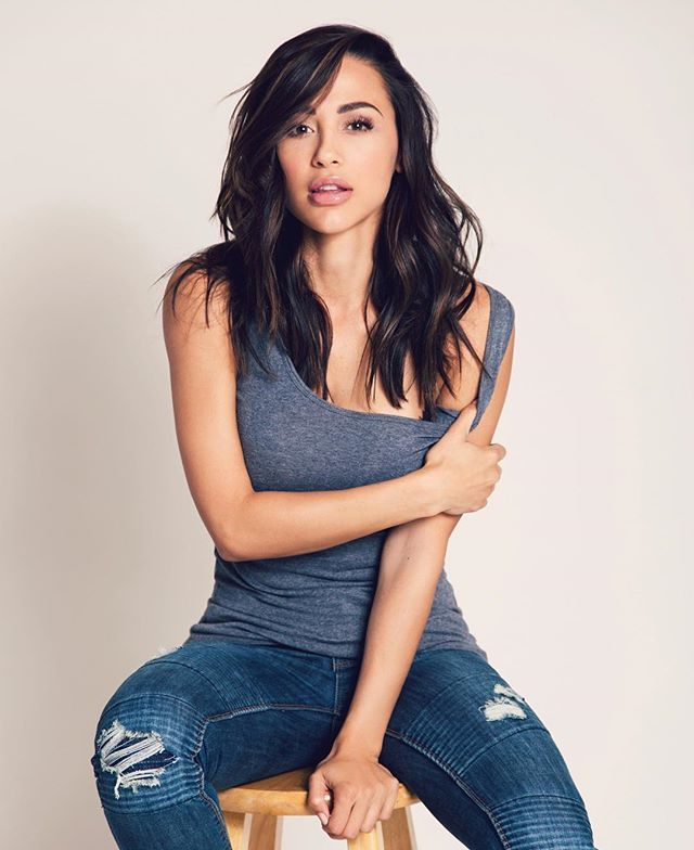 1000+ images about Ana Cheri on Pinterest   Ladies Day ...