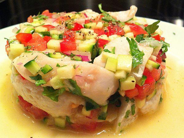 Ceviche de perche, spécialité chilienne ==> http://www.ptitchef.com/recettes/plat/ceviche-de-perche-fid-1507057 #ptitchef #ceviche #perche #chili #recette #cuisine #cook #cooking #food #recipe