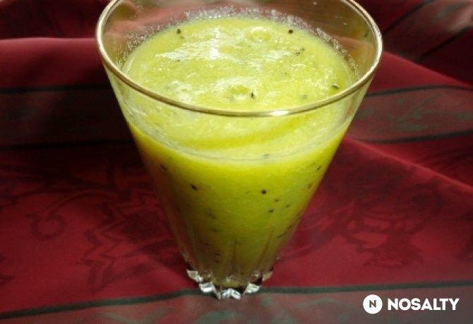 Alma-kivi-narancs smoothie