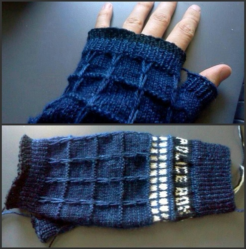 Tardis Gloves knitted Guantes, manoplas, mitones Pinterest Inspiration
