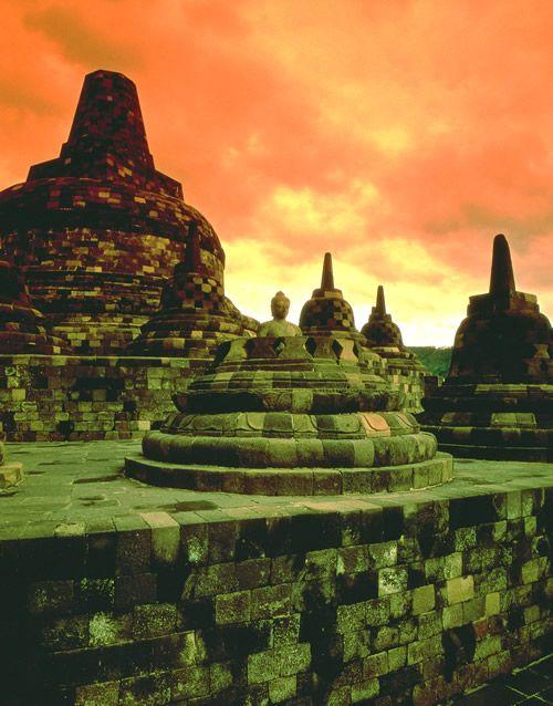 ボロブドゥル寺院遺跡群(インドネシア)