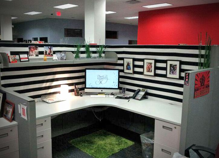 Best 25 cubicle makeover ideas on pinterest Cubicle desk decorating ideas