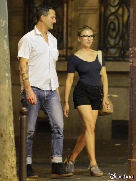 Scarlett johansson dating in Sydney
