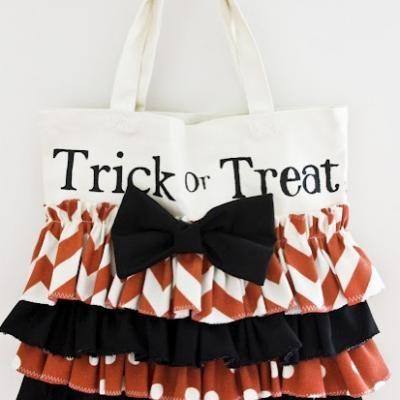 DIY Ruffled Trick Or Treat Bag