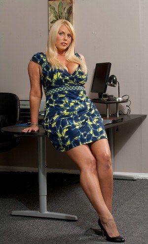 Stars Fat Nude Secretary Pics