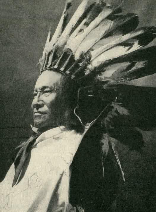 RAIN IN THE FACE , 1904 Rain-in-the-Face (Lakota: Ité Omáǧažu )(in Standard Lakota Orthography) (c. 1835 – September 15, 1905) was a warchief of the Lakota tribe of Native Americans. His mother was a Dakota related to the band of famous Chief Inkpaduta. He was among the Indian leaders who defeated George Armstrong Custer and the U.S. 7th Cavalry Regiment at the 1876 Battle of Little Big Horn.