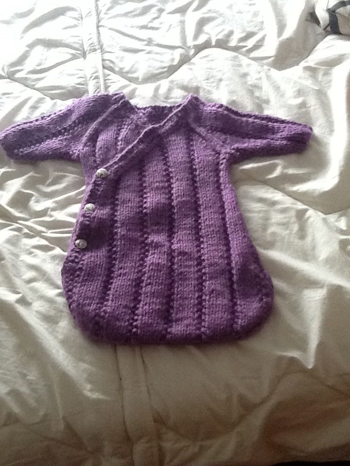 Saco bebe para dormir, tejido a mano con lana Merino de Katia.