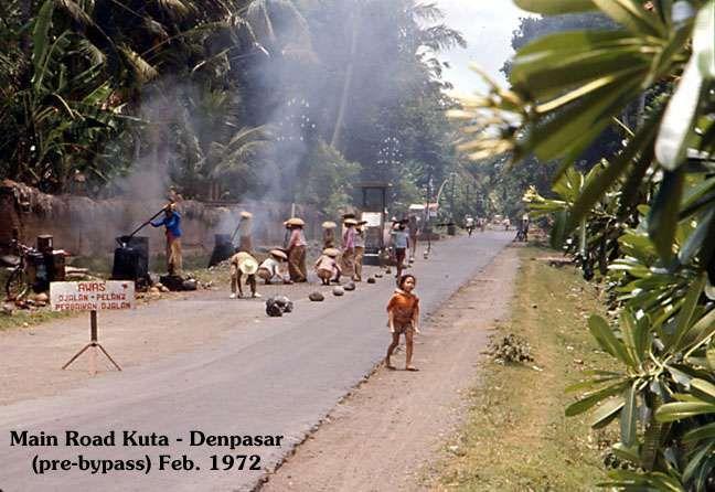 Main road Kuta 1972