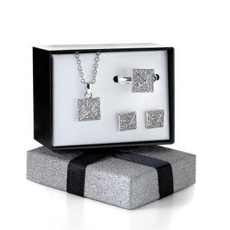 BRATARI Set Avon Kambree cercei si inel ajustabil AVN10371-00924 Set cu colier, inel ajustabil si cercei cu design in forma de piramida. Placat cu...