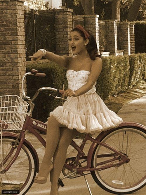 Ariana Grande - the cutest ever! Love her!!!!