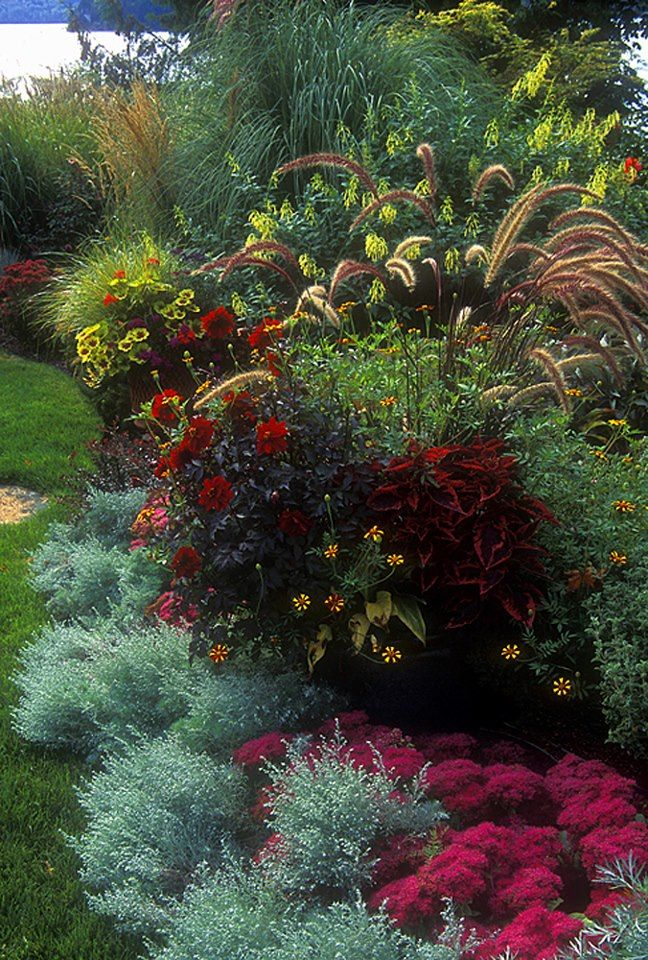 850 best Beautiful Gardens images on Pinterest Landscaping