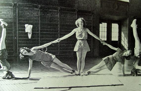Des Moines Iowa Roosevelt High School 1942 Yearbook