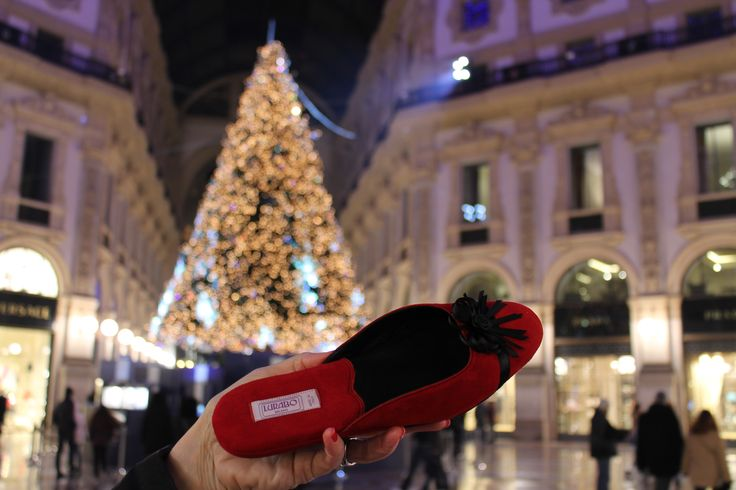 #Lurabo Spiga slipper in #Milano Galleria lit up on New Year's eve