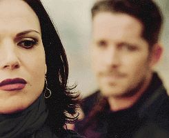 #OutlawQueen I love the way Robin looks at Regina <3 He's so into her ;)